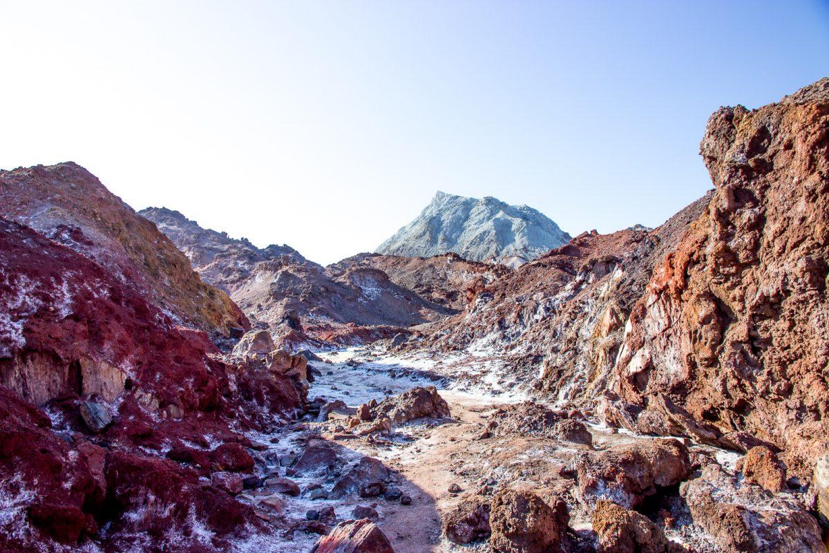 Iran itinerary: 1 - 3 weeks in Iran. Hormuz Red Landscape Qeshm Island Iran
