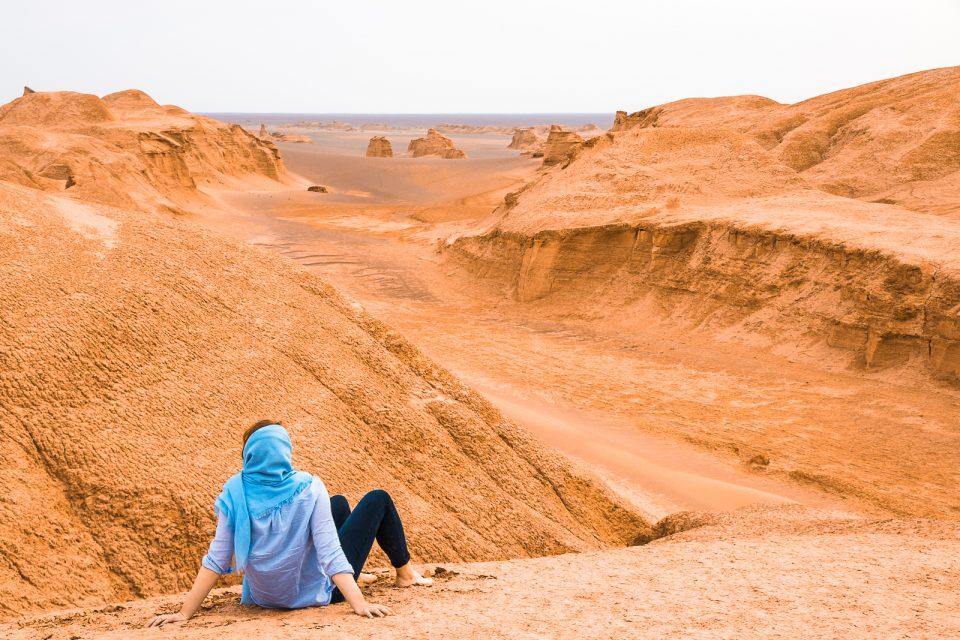 iran travel budget deser tour