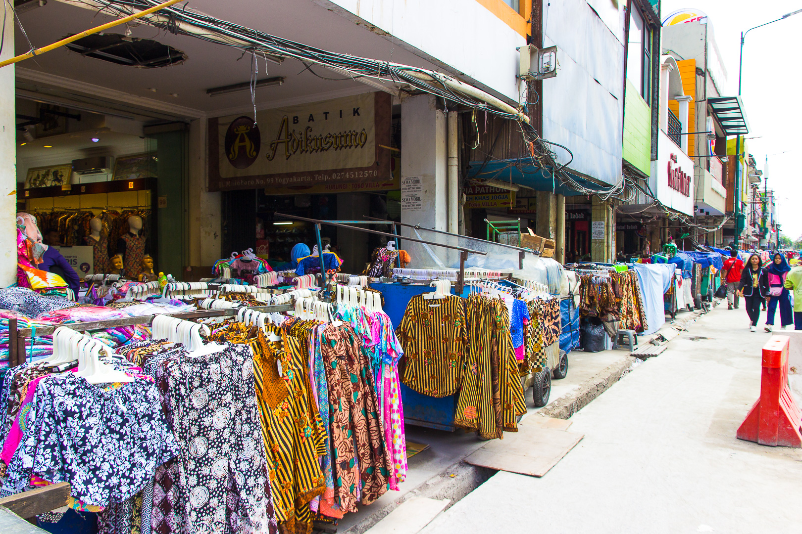 8 must to things in yogyakarta - malioboro