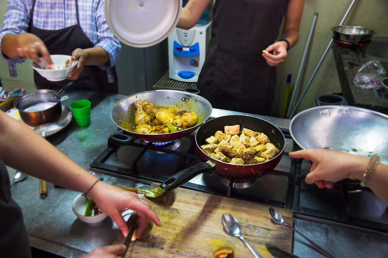 9 must to things in yogyakarta - cooking class