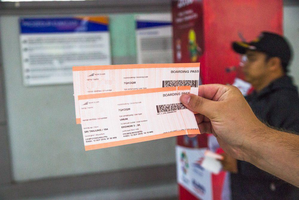 train travel in java indonesia