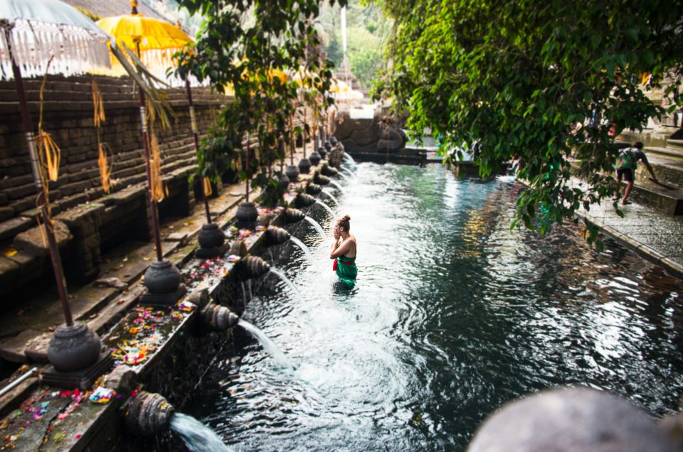 Visit the Tirta Empul Temple near Ubud, Bali – Indonesia