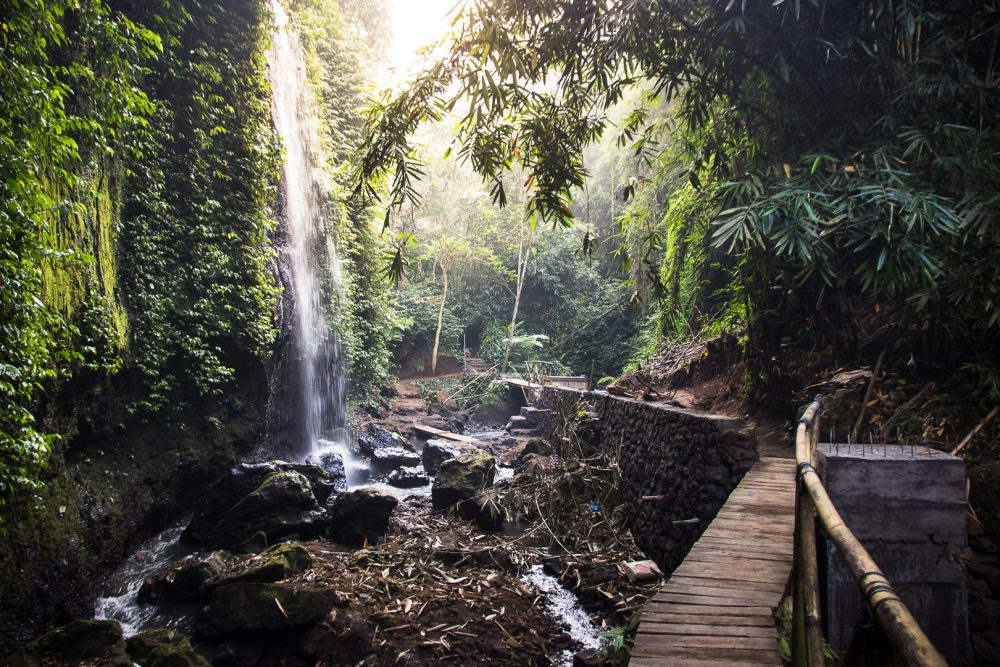 path down to tibumana waterfall