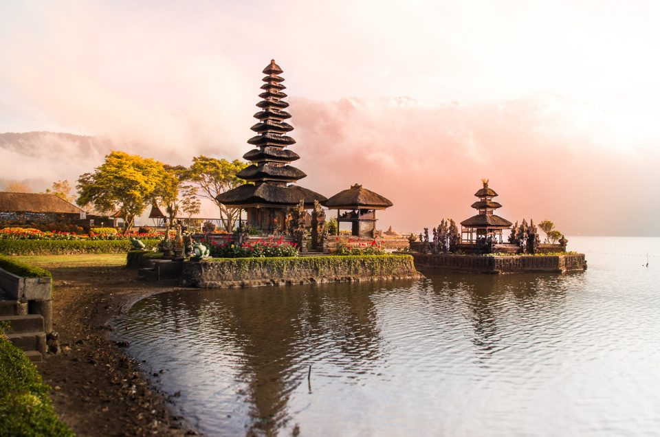 Sunrise at Pura Ulun Danu Bratan – Bali's Most Beautiful Temple