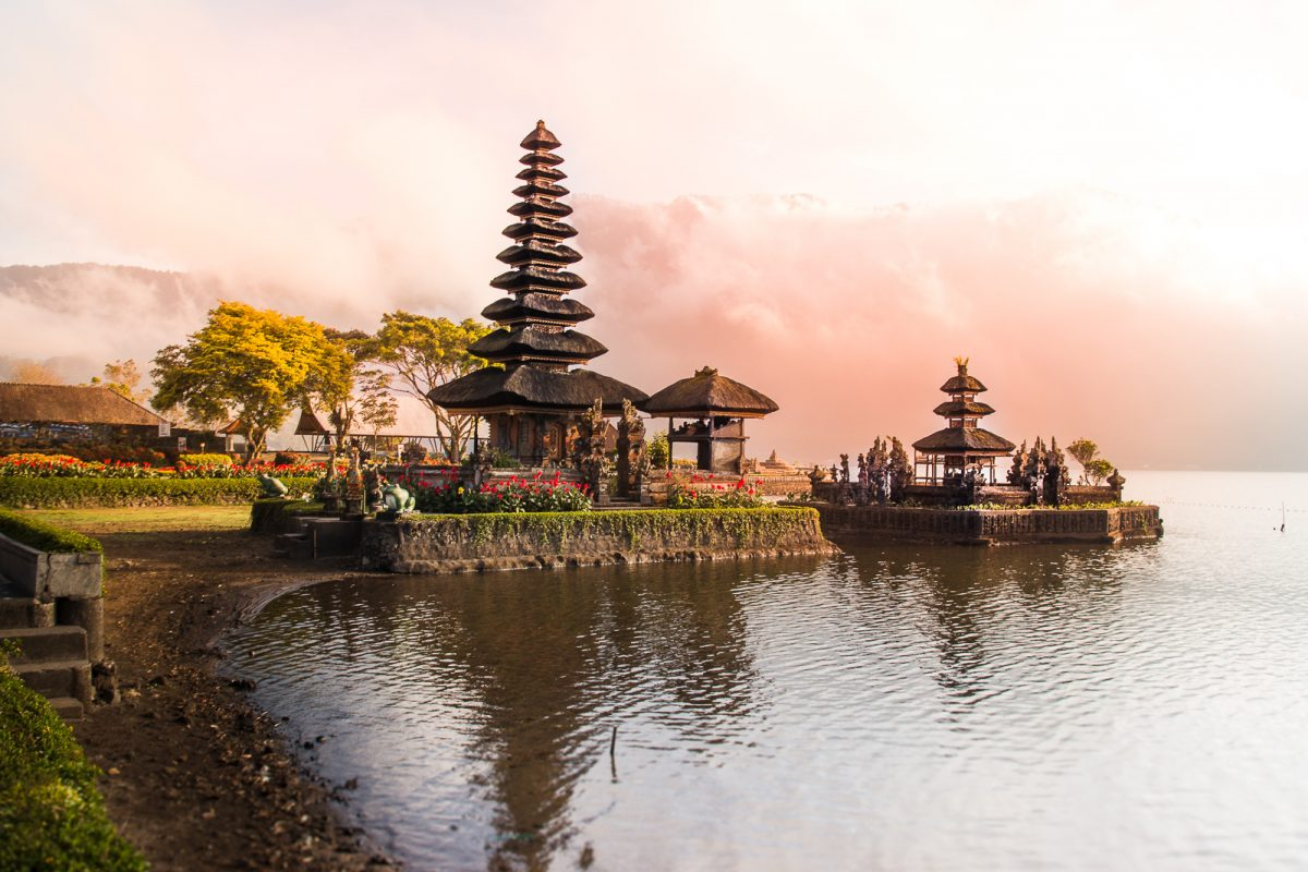 sunrise at the pura ulun danu bratan temple in north bali