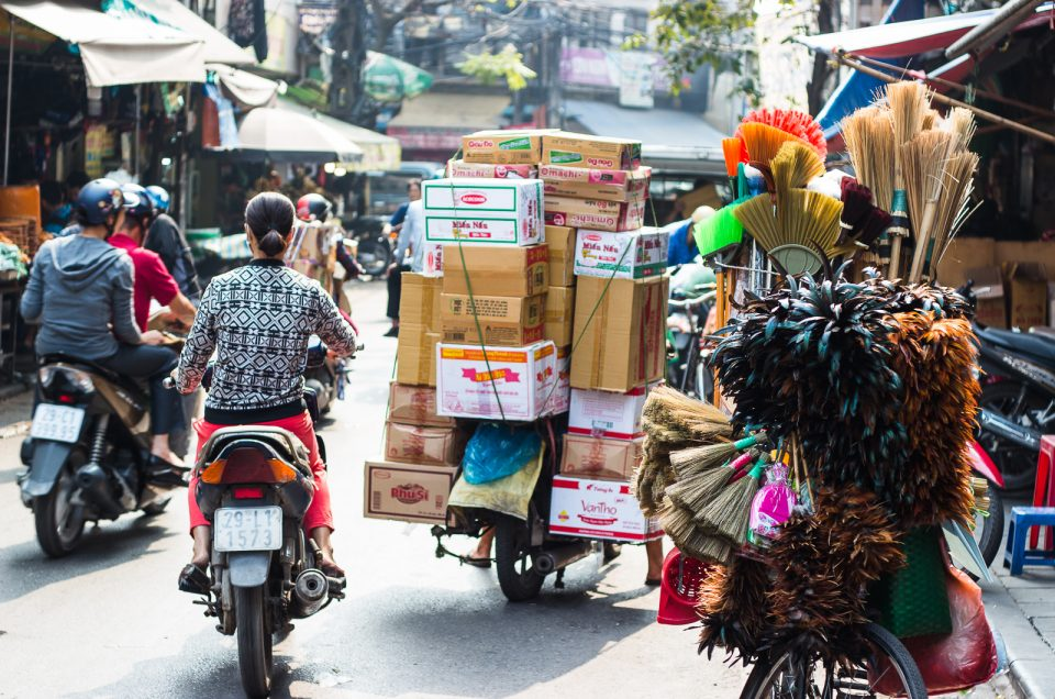 things to know before travel vietnam traffic