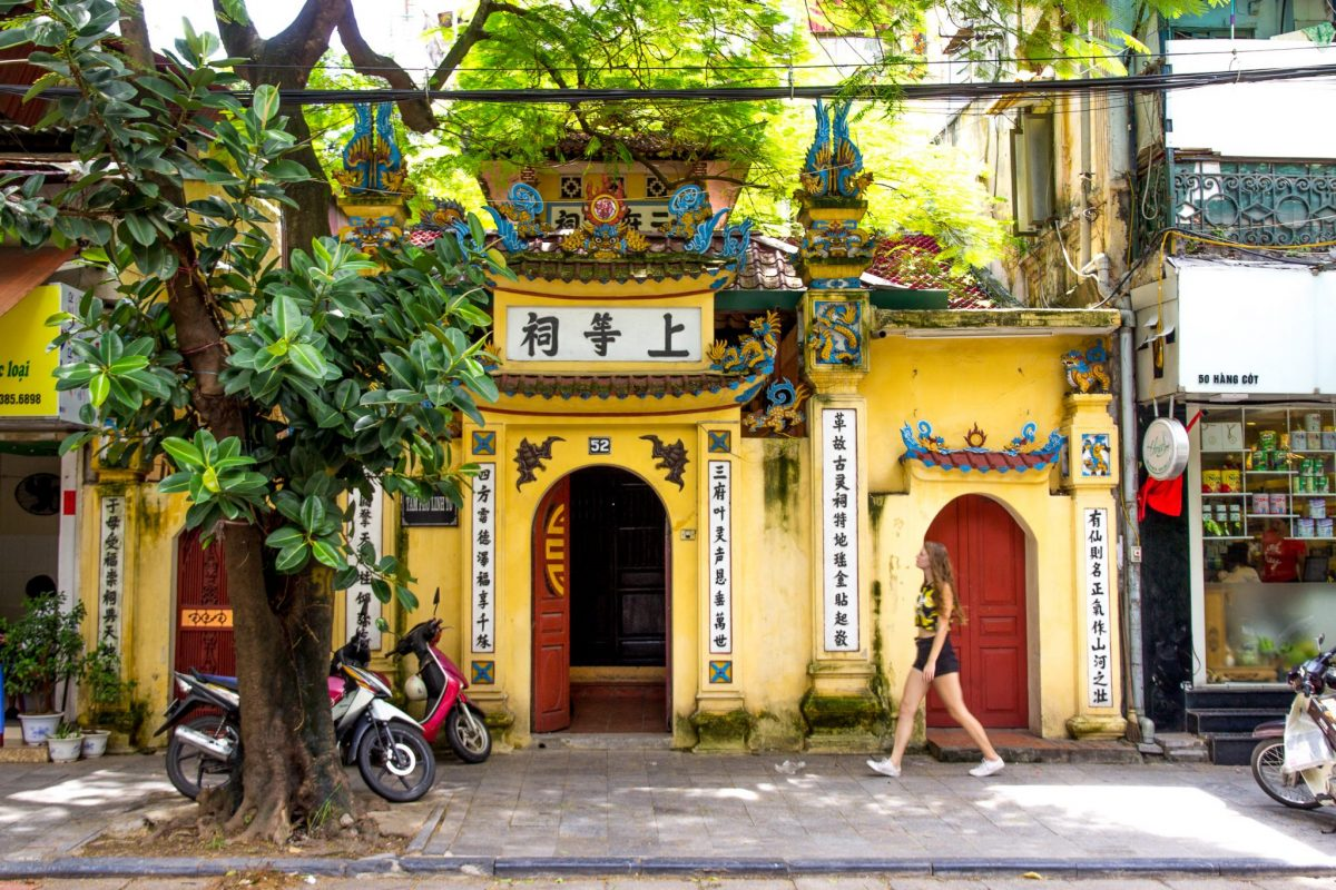 teaching english in Hanoi