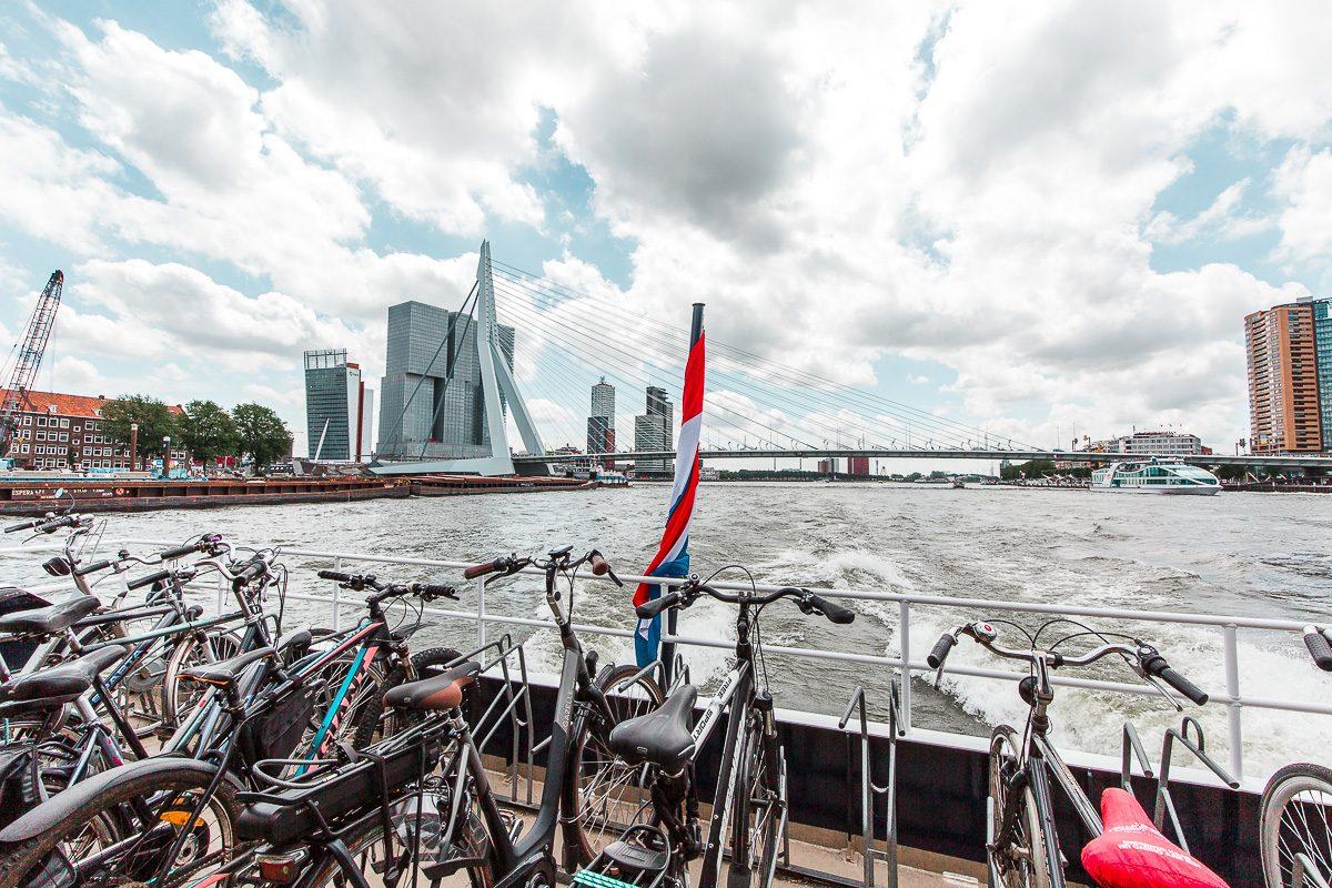 Waterbus in Rotterdam