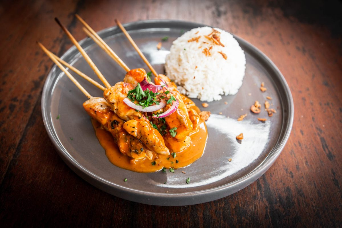 chicken satay with rice - a perfect cheap eat in bali
