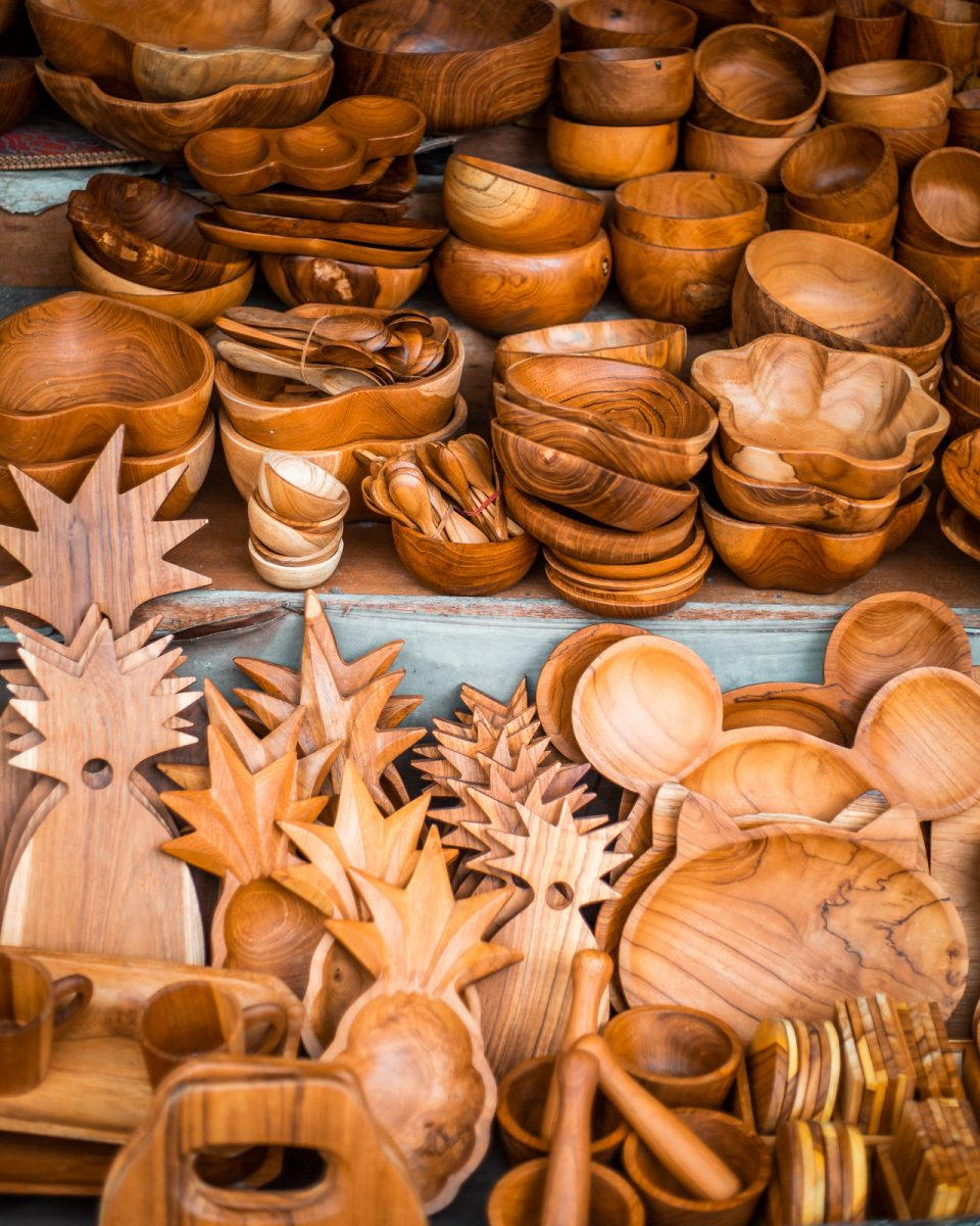 wooden bowls in a variety of shapes and sizes at the ubud art market